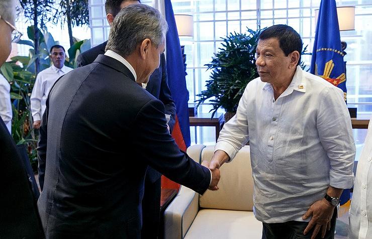 Russian Defense Minister Sergey Shoigu and Philippine President Rodrigo Duterte