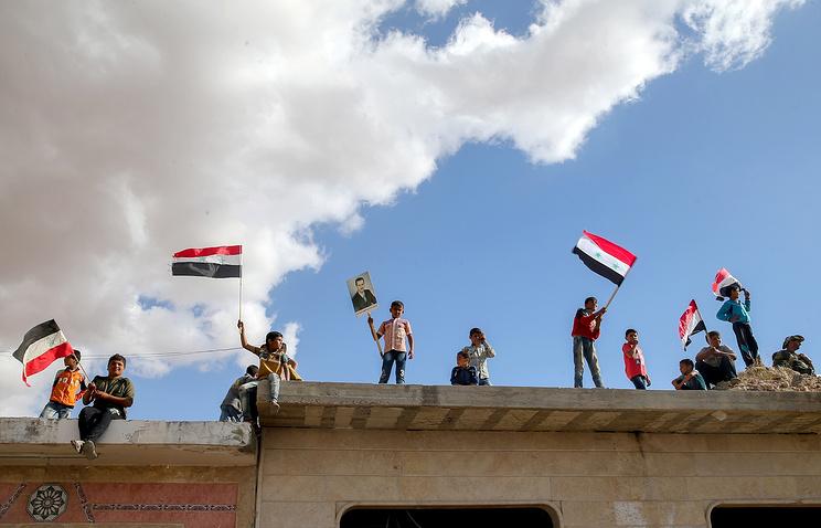 Iran's Jaberi Ansari, UN's De Mistura Discuss Syria Peace