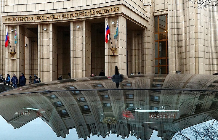 Russian Federation  to expel same number of diplomats as United States , other countries
