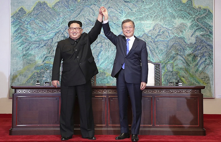 North Korean leader Kim Jong-un and South Korean President Moon Jae-in
