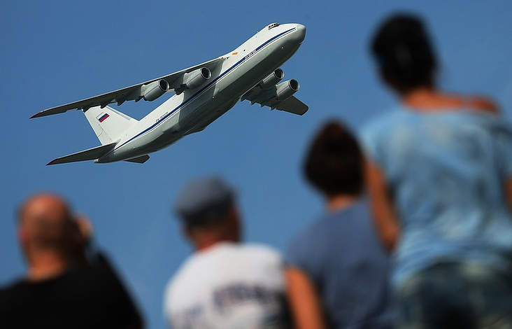 An-124 plane