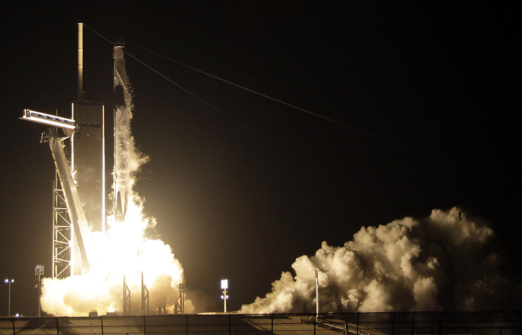 SpaceX Capsule Settles With ISS- No Robotic Hand Needed