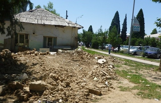 Село Вахдат в Таджикистане