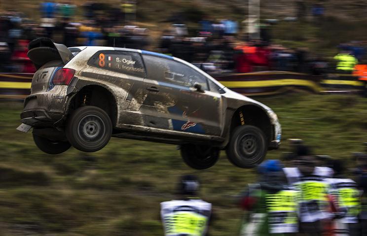Себастьян Ожье во время этапа чемпионата WRC во Франции