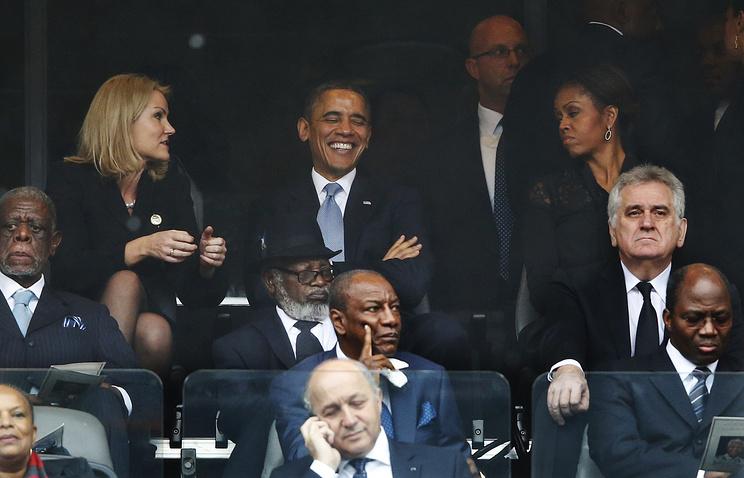 Премьер-министр Дании Хелен Торнинг-Шмитт (слева), президент США Барак Обама с супругой Мишель Обамой