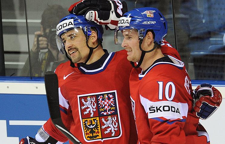 Роман Червенка (справа)