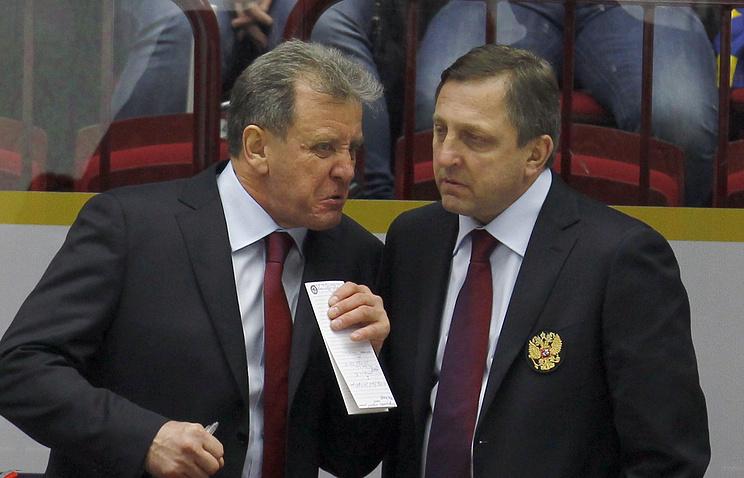 Варнаков и ассистент главного тренера Игорь Аверкин (слева направо)