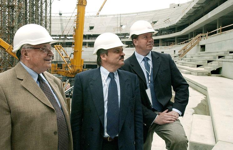 Карел Гут, Рене Фазель и Яри Курри (слева направо)