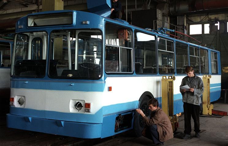 Сборка троллейбуса на Башкирском троллейбусном заводе, 1999 год