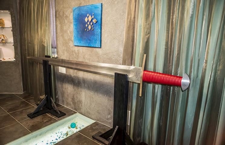 Самый большой в мире меч из дамасской стали