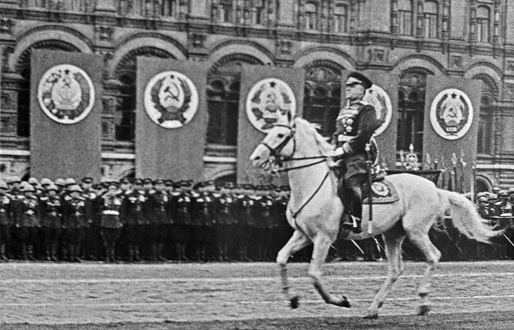 Маршал Советского Союза Георгий Жуков на Параде Победы 24 июня 1945 года