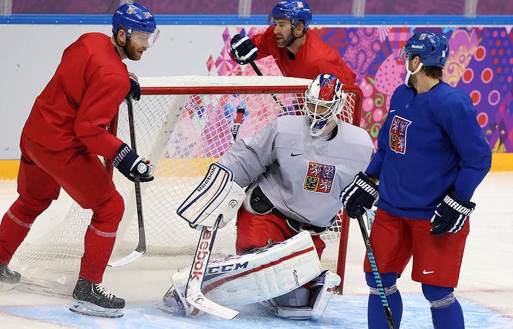 Чешские хоккеисты на тренировке