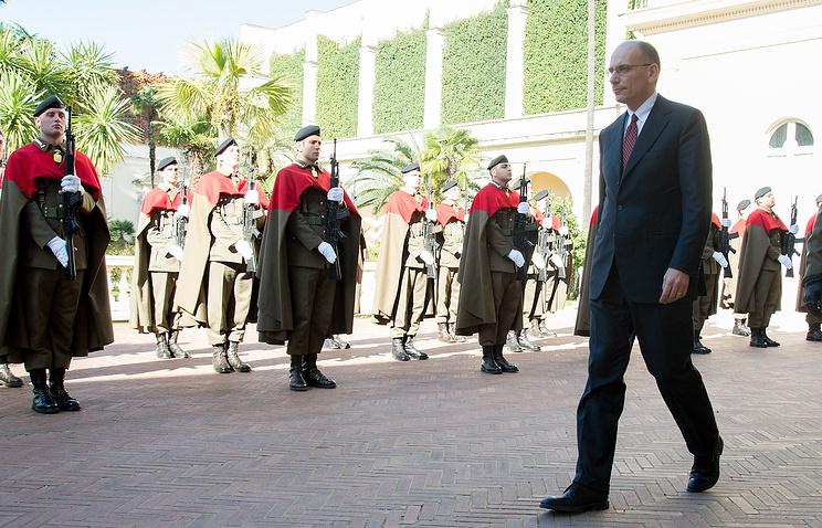 Премьер Италии Энрико Летта покидает Квиринальнский дворец  после объявления о своей отставке