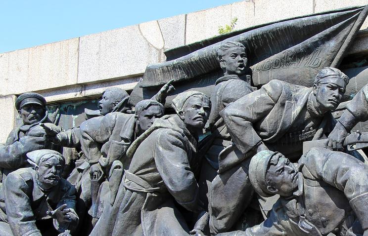 Фрагмент монумента Советской армии, София