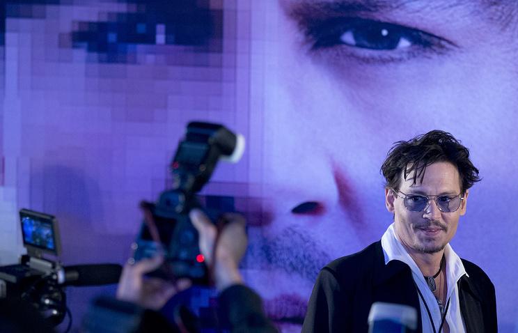 """Джонни Депп на презентации фильма """"Превосходство"""" в Пекине"""
