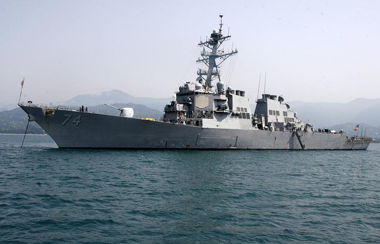 Американский эсминец McFaul 2008 год