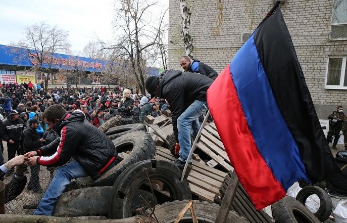 Митингующие в Славянске