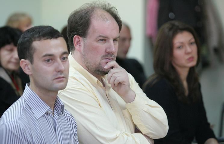 Адвокат Евгений Фукс, Эрик Шогрен и Евгения Головкова (слева направо) в зале суда