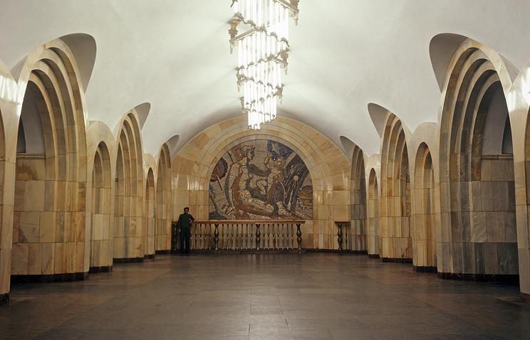 """Станция метро """"Добрынинская"""""""