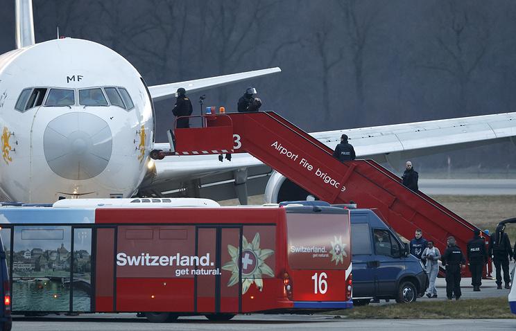 7 февраля Boeing-767-300 неожиданно приземлился в Женеве
