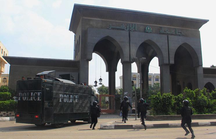 Главный вход университета Аль-Азхар