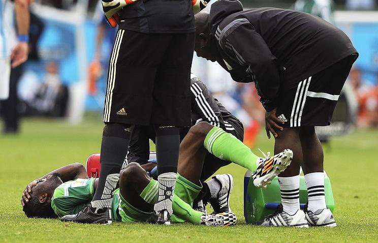 Майкл Бабатунде получил травму в матче с командой Аргентины