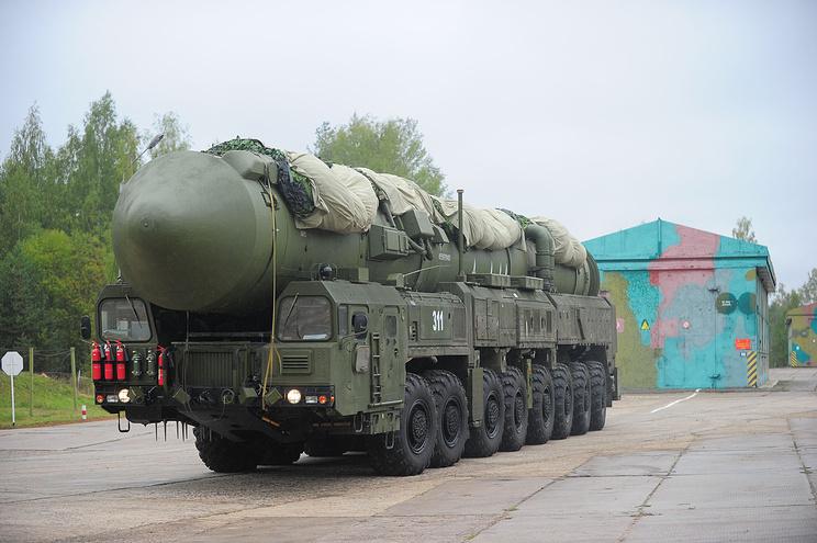 """Подвижный грунтовой ракетный комплекс """"Ярс"""" с межконтинентальной баллистической ракетой РС-24"""