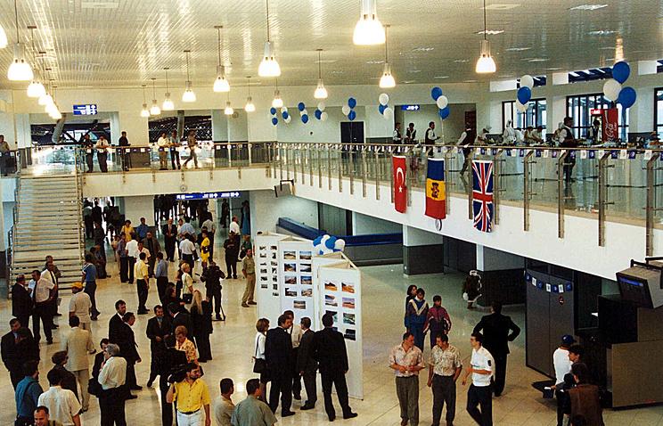 Кишеневский аэропорт, архивное фото, 2000 год