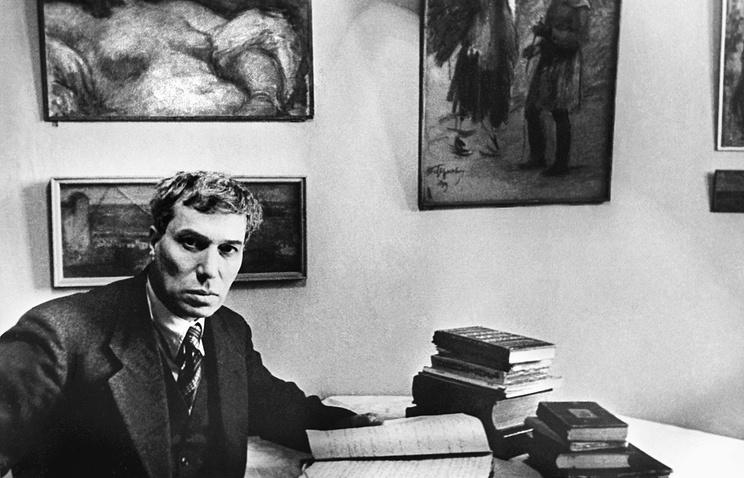 Писатель Борис Пастернак, 1940 год