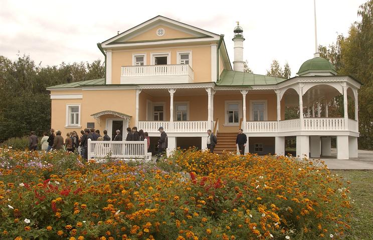 """Музей поэмы """"Анна Снегина"""" - бывший дом помещицы Л.И. Кашиной, где Сергей Есенин часто бывал"""