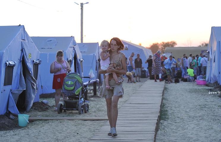 Временный лагерь размещения беженцев в Ростовской области.