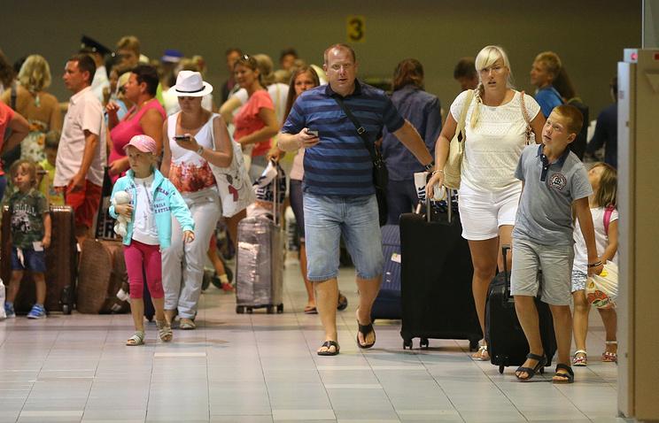 """Туристы обанкротившейся компании """"Лабиринт"""" возвращаются в Москву"""