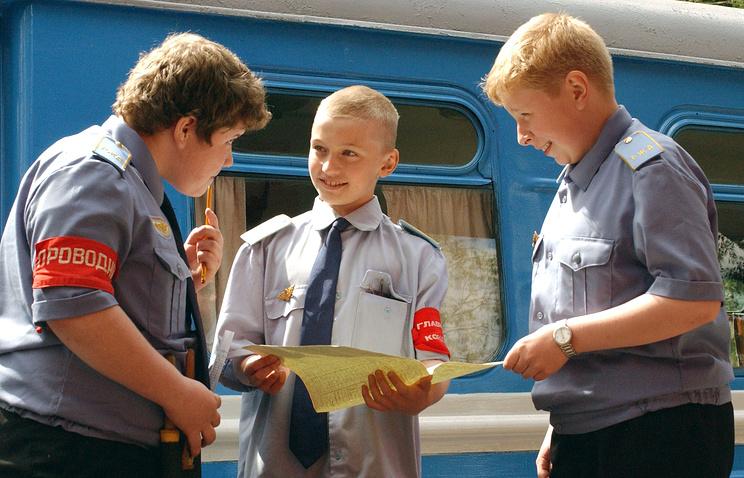 Учебный состав на Кратовской детской железной дороге.