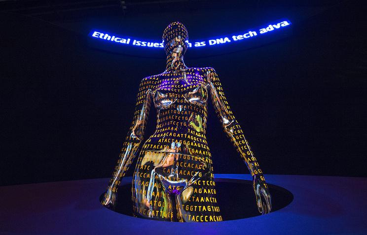 """Арт-проект на выставке """"Геном - расшифровка кода жизни"""" в Национальном музее естественной истории Смитсоновского института в Вашингтоне, округ Колумбия, США, 2014 год"""