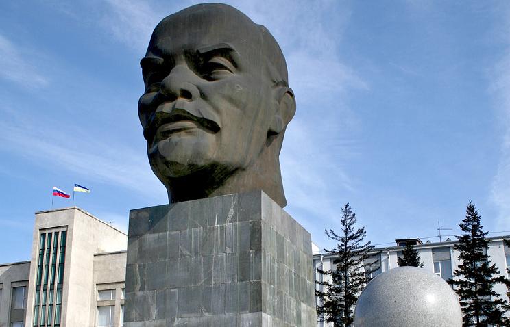 Памятник Ленину в Улан-Удэ. Архив