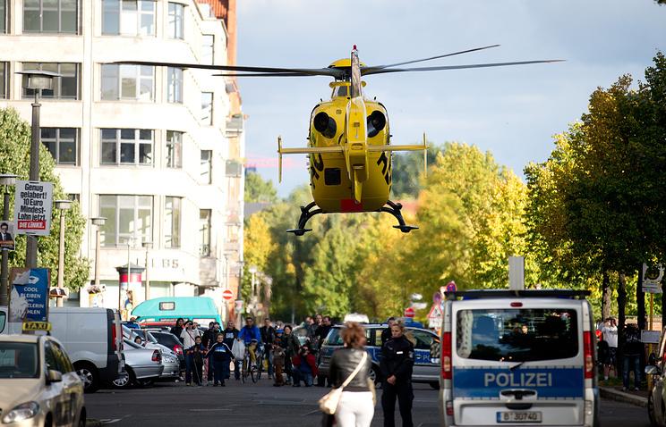 Одна из пострадавших была доставлена в больницу на спасательном вертолете