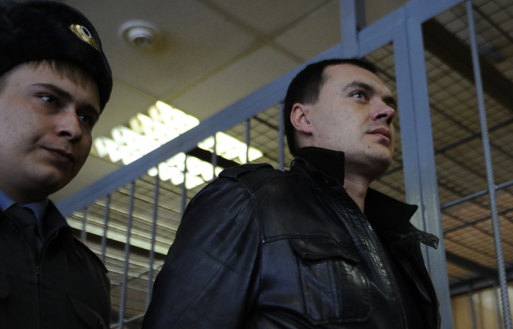 Алексей Русаков (справа)