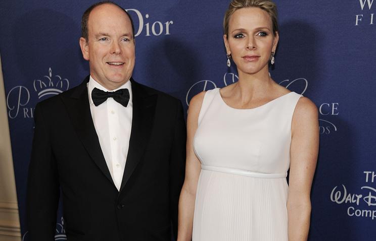 Князь Монако Альбер II и  супруга Шарлен