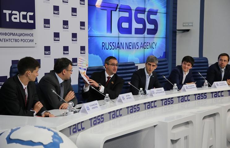 На пресс-конференции в ТАСС 14 октября 2014 года