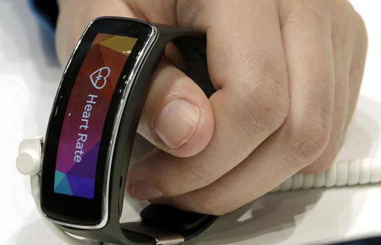 """Батарея может быть использована в таких мобильных """"умных устройствах"""", как смарт-часы типа Gear S и Gear Fit"""