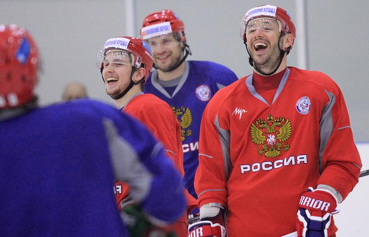 Илья Ковальчук (справа)