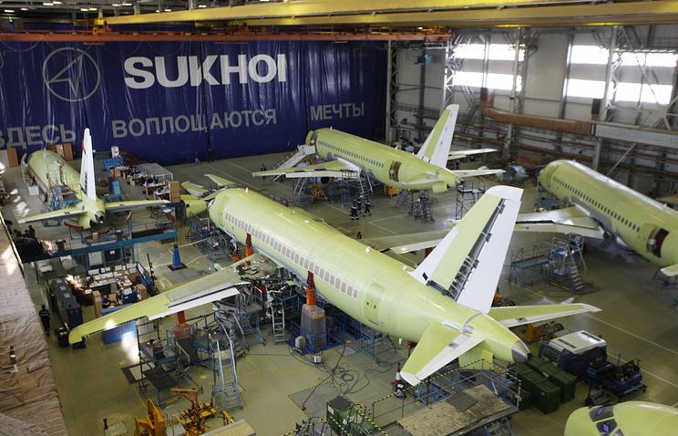 В цехе окончательной сборки самолета SSJ-100