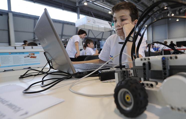 Соревнования по мобильной робототехнике на чемпионате рабочих профессий WorldSkills Hi-Tech в Екатеринбурге
