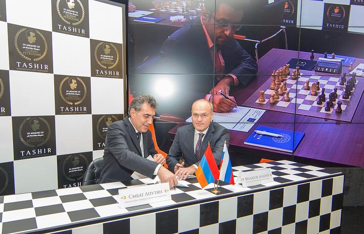 Смбат Лпутян (слева) и Андрей Филатов