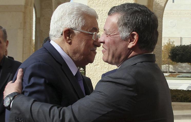 Президент Государства Палестина Махмуд Аббас (справа) и король Иордании Абдалла II