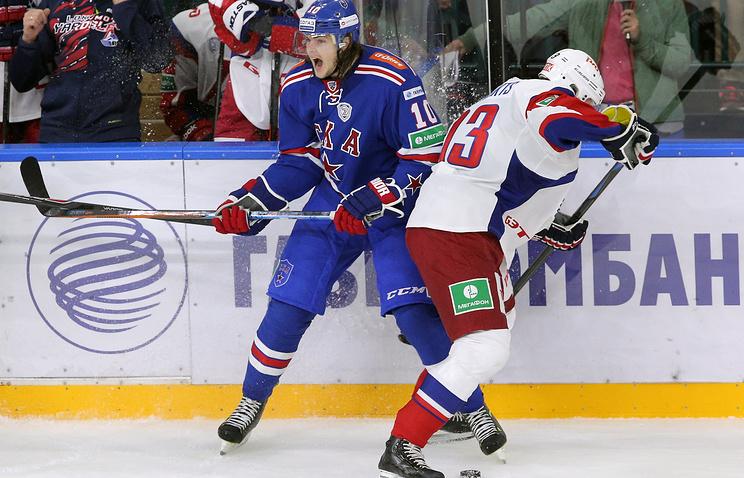 Хоккеист СКА Виктор Тихонов