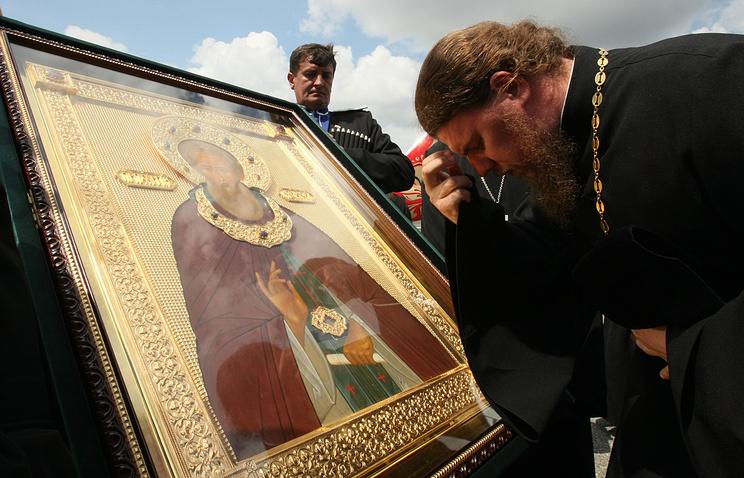 Икона с частицей мощей Сергия Радонежского