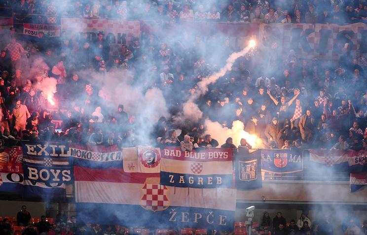 Болельщики сборной Хорватии во время матча с командой Италии