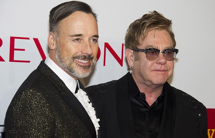 Элтон Джон (справа) и Дэвид Ферниш (слева)