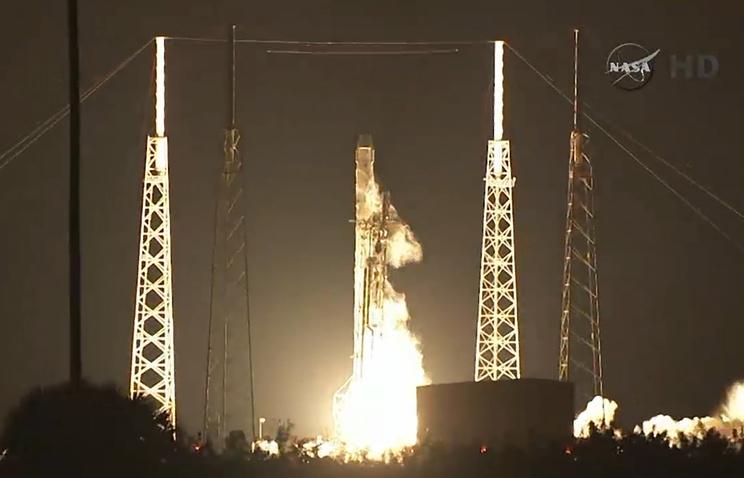 Запуск космического корабля Dragon, 10 января